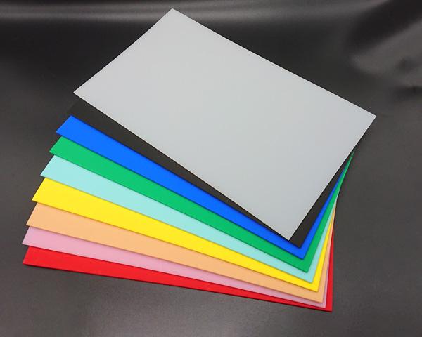 何用の包丁か色分けしておくと一目で分かり、店舗で使用の際にもスムーズです