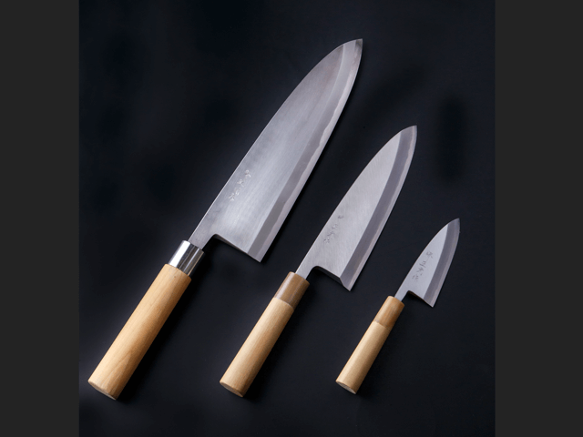 「和包丁」出刃包丁の最小と最大
